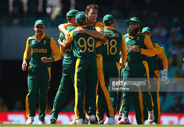 Kyle Abbott of South Africa celebrates after taking the wicket of Kusal Perera of Sri Lanka during the 2015 ICC Cricket World Cup Quarter Final match...