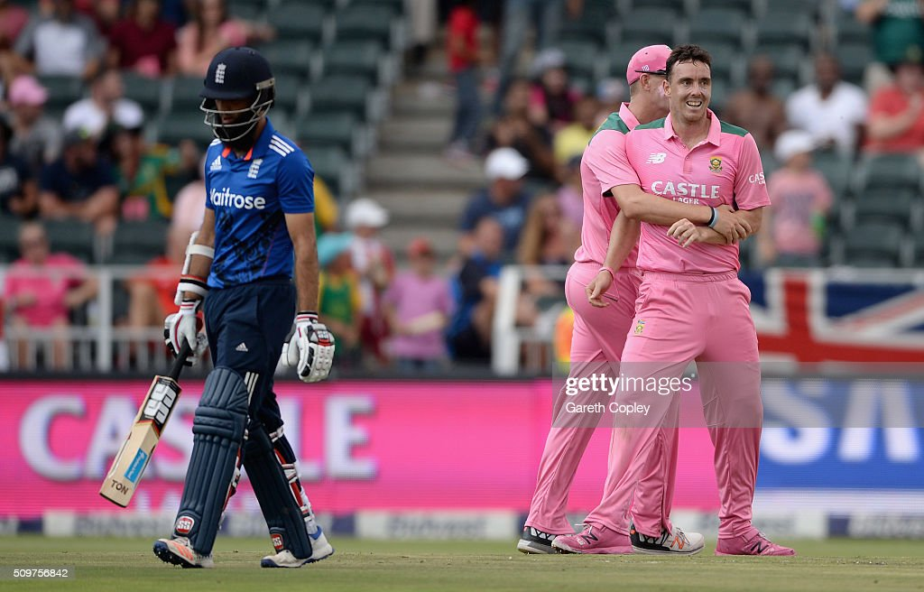 <a gi-track='captionPersonalityLinkClicked' href=/galleries/search?phrase=Kyle+Abbott&family=editorial&specificpeople=8022104 ng-click='$event.stopPropagation()'>Kyle Abbott</a> of South Africa celebrates dismissing <a gi-track='captionPersonalityLinkClicked' href=/galleries/search?phrase=Moeen+Ali&family=editorial&specificpeople=571813 ng-click='$event.stopPropagation()'>Moeen Ali</a> of England during the 4th Momentum ODI between South Africa and England at Bidvest Wanderers Stadium on February 12, 2016 in Johannesburg, South Africa.