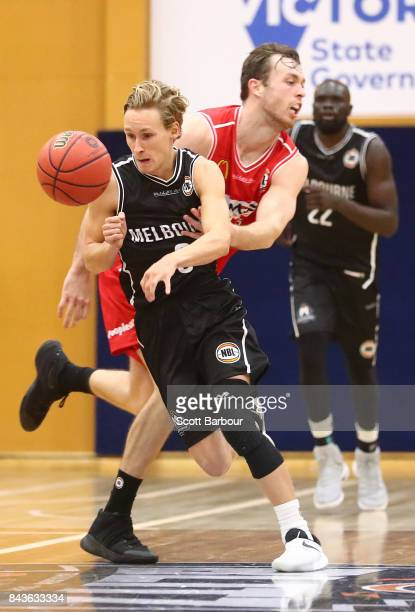 Kyle Adnam of Melbourne United controls the ball during the 2017 NBL Blitz preseason match between Melbourne United and the Illawarra Hawks at...