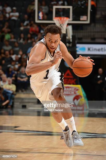 Kyle Anderson of the San Antonio Spurs drives to the basket aganst the Phoenix Suns on October 20 2015 at the ATT Center in San Antonio Texas NOTE TO...