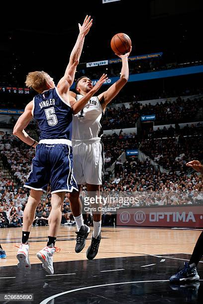 Kyle Anderson of the San Antonio Spurs shoots the ball during the game against the Oklahoma City Thunder in Game One of the Western Conference...