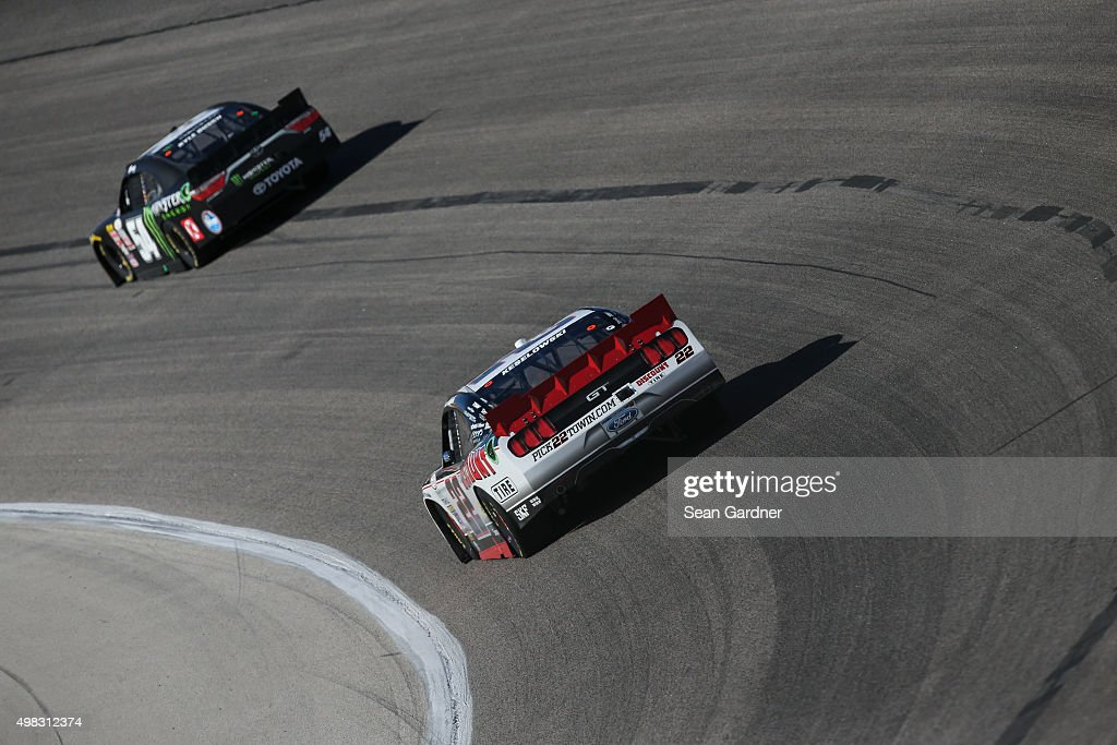 Series o 39 reilly auto parts challenge getty images for Discount motors fort worth tx