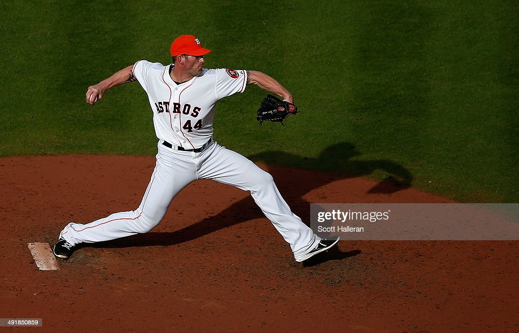 <a gi-track='captionPersonalityLinkClicked' href=/galleries/search?phrase=Kyle+Farnsworth&family=editorial&specificpeople=162760 ng-click='$event.stopPropagation()'>Kyle Farnsworth</a> #44 of the Houston Astros throws a pitch in the eighth inning of their game against the Chicago White Sox at Minute Maid Park on May 17, 2014 in Houston, Texas.