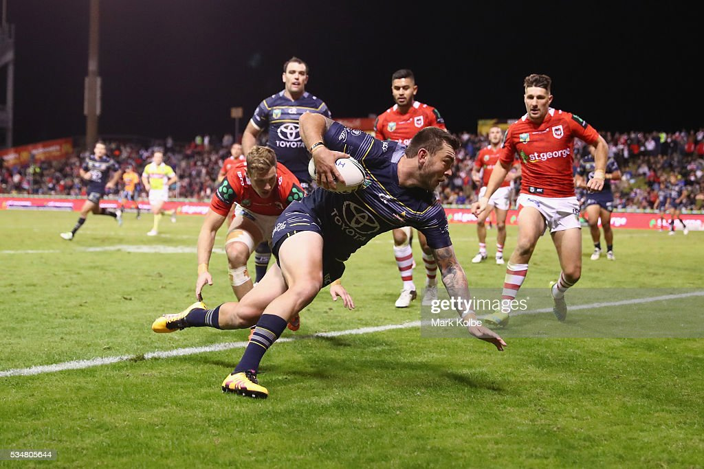 Kyle Feldt of the Cowboys scores try during the round 12 NRL match between the St George Illawarra Dragons and the North Queensland Cowboys at WIN Jubilee Stadium on May 28, 2016 in Wollongong, Australia.
