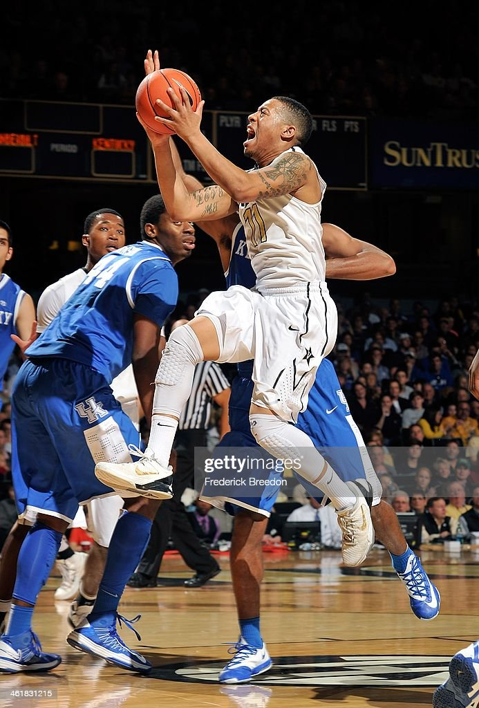Kyle Fuller #11 of the Vanderbilt Commodores takes a shot against the Kentucky Wildcats at Memorial Gym on January 11, 2014 in Nashville, Tennessee.