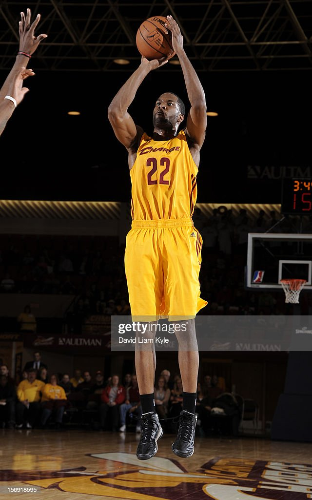 Kyle Gibson #22 of the Canton Charge shoots the jumper against the Maine Red Claws at the Canton Memorial Civic Center on November 23, 2012 in Canton, Ohio.