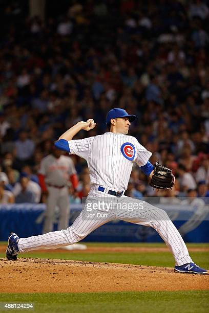 Kyle Hendricks of the Chicago Cubs pitches against the Cincinnati Reds during the second inning at Wrigley Field on August 31 2015 in Chicago Illinois