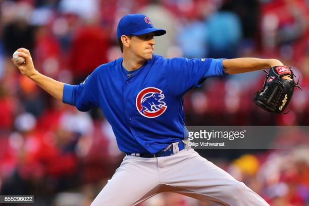 Kyle Hendricks of the Chicago Cubs pitches against the St Louis Cardinals in the first inning at Busch Stadium on September 28 2017 in St Louis...