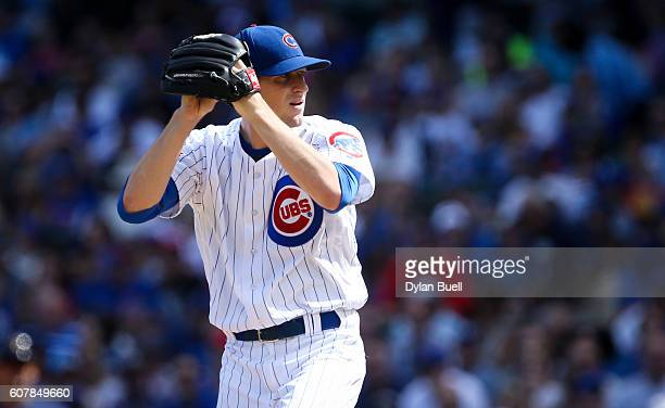 Kyle Hendricks of the Chicago Cubs pitches in the first inning against the Milwaukee Brewers at Wrigley Field on September 18 2016 in Chicago Illinois