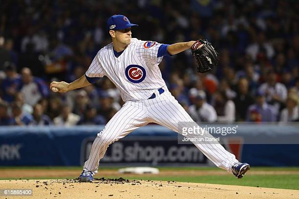 Kyle Hendricks of the Chicago Cubs throws a pitch against the Los Angeles Dodgers during game two of the National League Championship Series at...
