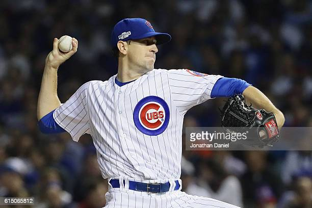 Kyle Hendricks of the Chicago Cubs throws a pitch in the first inning against the Los Angeles Dodgers during game two of the National League...