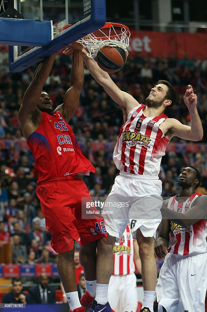 Kyle Hines, #42 of CSKA Moscow competes with Ioannis Papapetrou, #6 of Olympiacos Piraeus in action during the Turkish Airlines Euroleague Basketball Top 16 Round 7 game between CSKA Moscow v Olympiacos Piraeus at Megasport Arena on February 12, 2016 in Moscow, Russia.