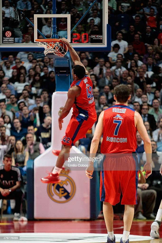Kyle Hines, #42 of CSKA Moscow in action during the 2013-2014 Turkish Airlines Euroleague Top 16 Date 11 game between Real Madrid v CSKA Moscow at Palacio Deportes Comunidad de Madrid on March 20, 2014 in Madrid, Spain.