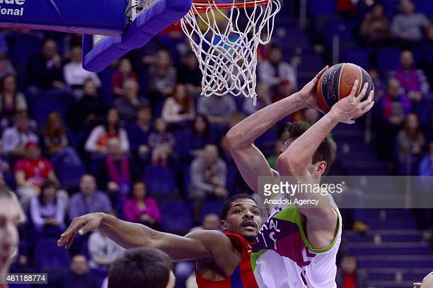 Kyle Hines of CSKA Moscow in action against his rival during their Euroleague Top16 group F basketball match in Moscow on January 8 2015