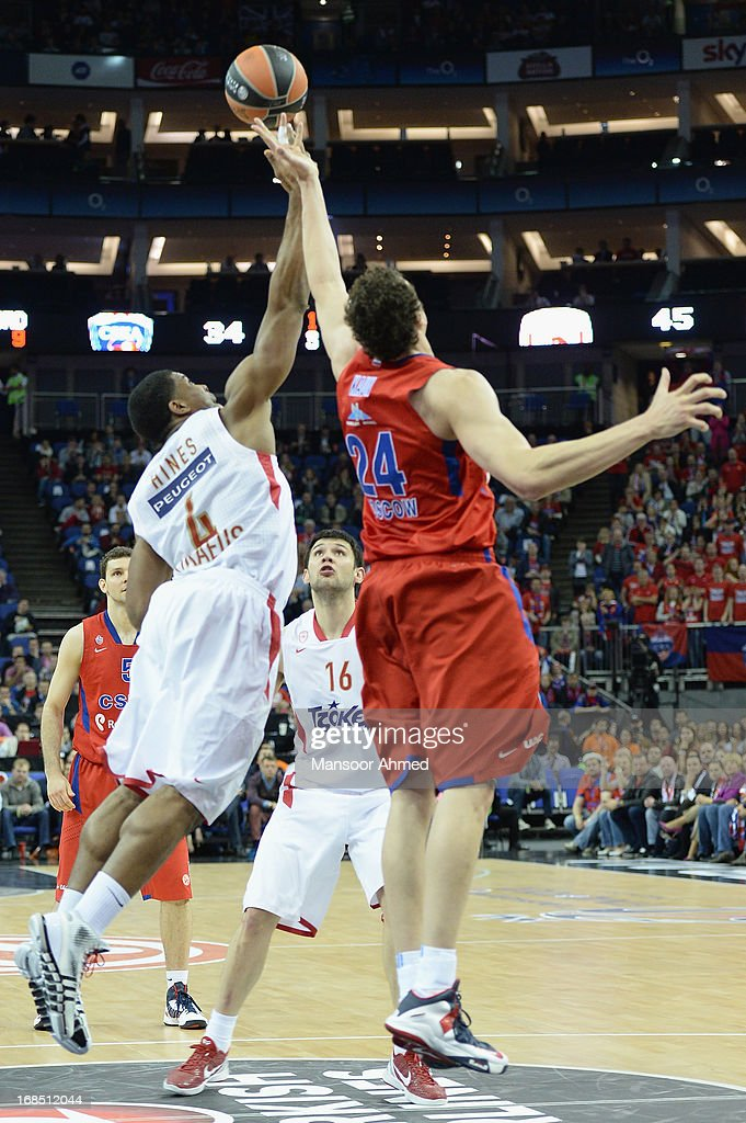 Kyle Hines,#4 of Olympiacos Piraeus competes with <a gi-track='captionPersonalityLinkClicked' href=/galleries/search?phrase=Sasha+Kaun&family=editorial&specificpeople=802084 ng-click='$event.stopPropagation()'>Sasha Kaun</a>, #24 of CSKA Moscow during the Semifinal A game between CSKA Moscow v Olympiacos Piraeus at O2 Arena on May 10, 2013 in London, United Kingdom.