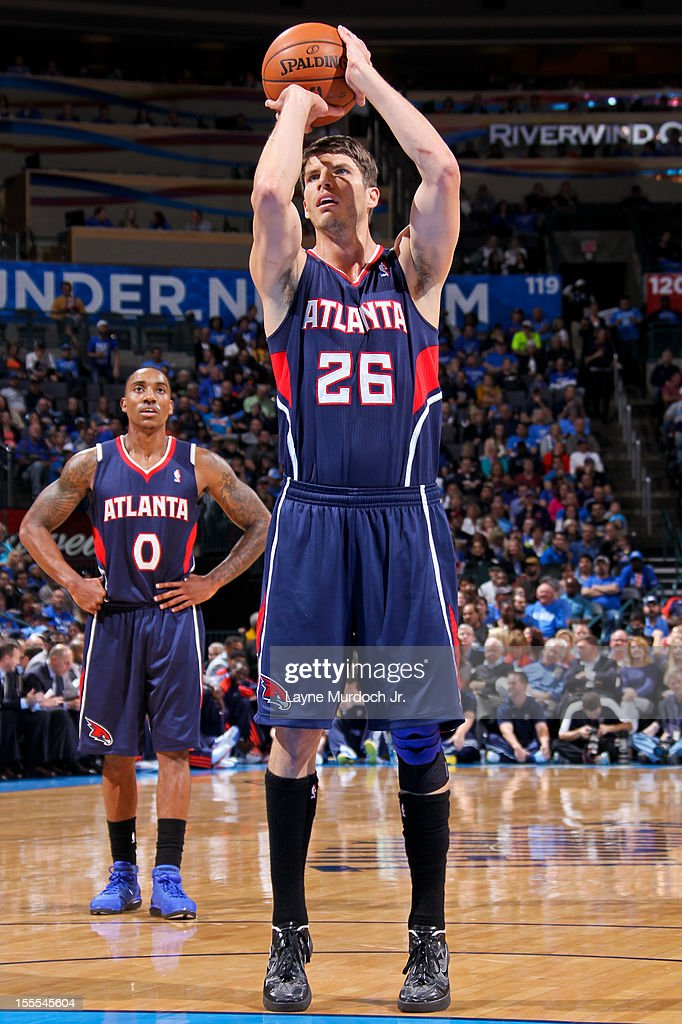 <a gi-track='captionPersonalityLinkClicked' href=/galleries/search?phrase=Kyle+Korver&family=editorial&specificpeople=202504 ng-click='$event.stopPropagation()'>Kyle Korver</a> #26 of the Atlanta Hawks shoots a free-throw against the Oklahoma City Thunder on November 4, 2012 at the Chesapeake Energy Arena in Oklahoma City, Oklahoma.