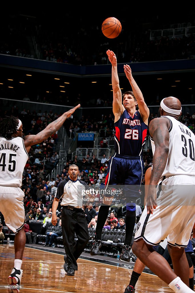 <a gi-track='captionPersonalityLinkClicked' href=/galleries/search?phrase=Kyle+Korver&family=editorial&specificpeople=202504 ng-click='$event.stopPropagation()'>Kyle Korver</a> #26 of the Atlanta Hawks shoots a three-pointer against the Brooklyn Nets on March 17, 2013 at the Barclays Center in the Brooklyn borough of New York City.