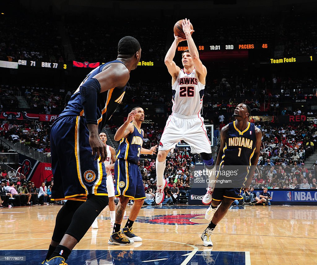 <a gi-track='captionPersonalityLinkClicked' href=/galleries/search?phrase=Kyle+Korver&family=editorial&specificpeople=202504 ng-click='$event.stopPropagation()'>Kyle Korver</a> #26 of the Atlanta Hawks shoots against the Indiana Pacers during Game Four of the Eastern Conference Quarterfinals in the 2013 NBA Playoffs on April 29, 2013 at Philips Arena in Atlanta, Georgia.