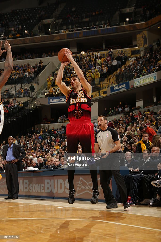 <a gi-track='captionPersonalityLinkClicked' href=/galleries/search?phrase=Kyle+Korver&family=editorial&specificpeople=202504 ng-click='$event.stopPropagation()'>Kyle Korver</a> #26 of the Atlanta Hawks shoots an open shot against the Indiana Pacers on February 5, 2013 at Bankers Life Fieldhouse in Indianapolis, Indiana.