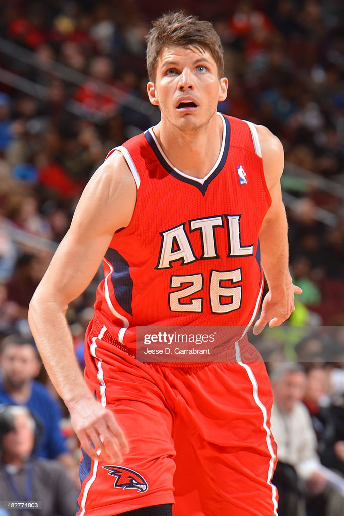 <a gi-track='captionPersonalityLinkClicked' href=/galleries/search?phrase=Kyle+Korver&family=editorial&specificpeople=202504 ng-click='$event.stopPropagation()'>Kyle Korver</a> #26 of the Atlanta Hawks waits for a rebound against the Philadelphia 76ers at the Wells Fargo Center on January 31, 2014 in Philadelphia, Pennsylvania.