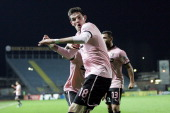 Kyle Lafferty of US Citta di Palermo celebrates after scoring a goal during the Serie B match between Empoli FC and US Citta di Palermo at Stadio...
