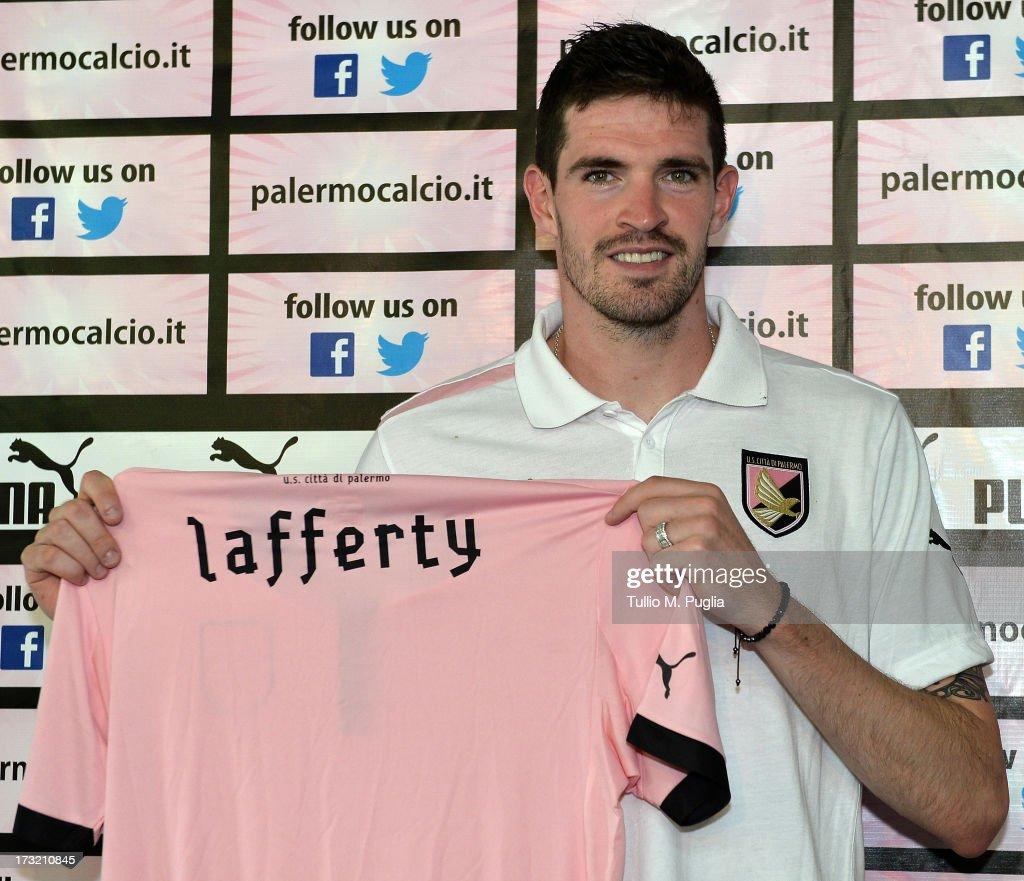 US Citta di Palermo Unveils New Signing Kyle Lafferty