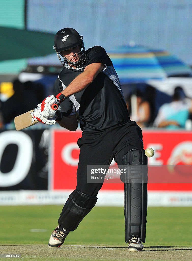 Kyle Mills of New Zealand pulls a delivery during the 2nd One Day International match between South Africa and New Zealand at De Beers Diamond Oval on January 22, 2013 in Kimberley, South Africa.