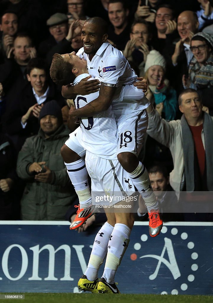 Kyle Naughton of Tottenham Hotspur congratulates goalscorer Jermain Defoe of Tottenham Hotspur during the UEFA Europa League group J match between Tottenham Hotspur FC and NK Maribor at White Hart Lane on November 8, 2012 in London, England.