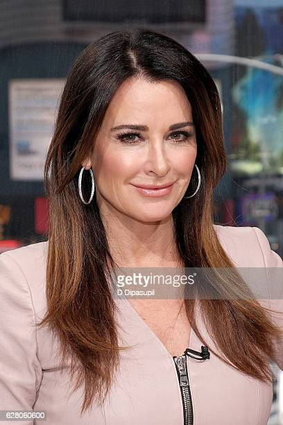 Kyle Richards visits 'Extra' at their New York studios at HM in Times Square on December 6 2016 in New York City