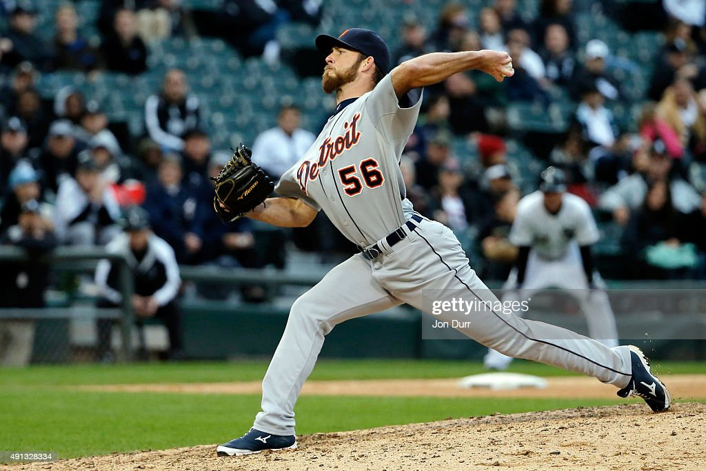 Kyle Ryan #56 of the Detroit Tigers pitches against the Chicago White Sox during the ninth inning at U.S. Cellular Field on October 4, 2015 in Chicago, Illinois. The Detroit Tigers won 6-0.