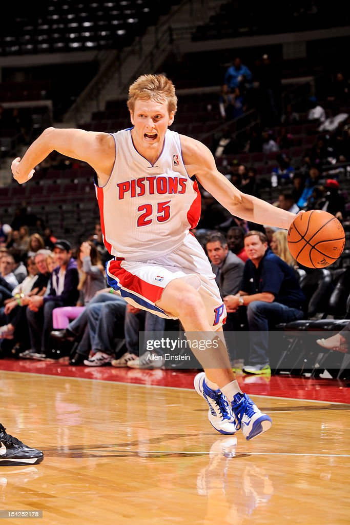 <a gi-track='captionPersonalityLinkClicked' href=/galleries/search?phrase=Kyle+Singler&family=editorial&specificpeople=4216029 ng-click='$event.stopPropagation()'>Kyle Singler</a> #25 of the Detroit Pistons controls the ball against the Orlando Magic during a pre-season game on October 16, 2012 at The Palace of Auburn Hills in Auburn Hills, Michigan.