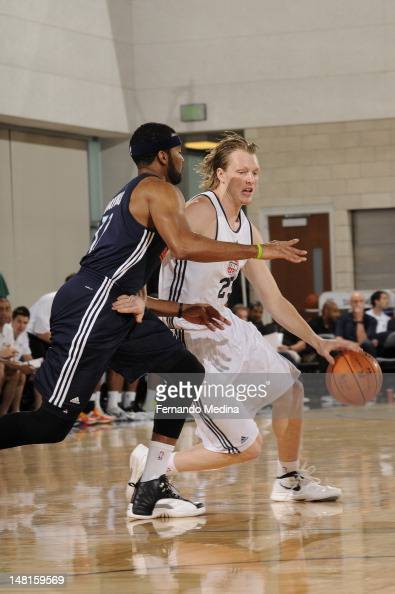 Kyle Singler of the Detroit Pistons dribbles against the Oklahoma City Thunder during the 2012 Air Tran Airways Orlando Pro Summer League on July 11...