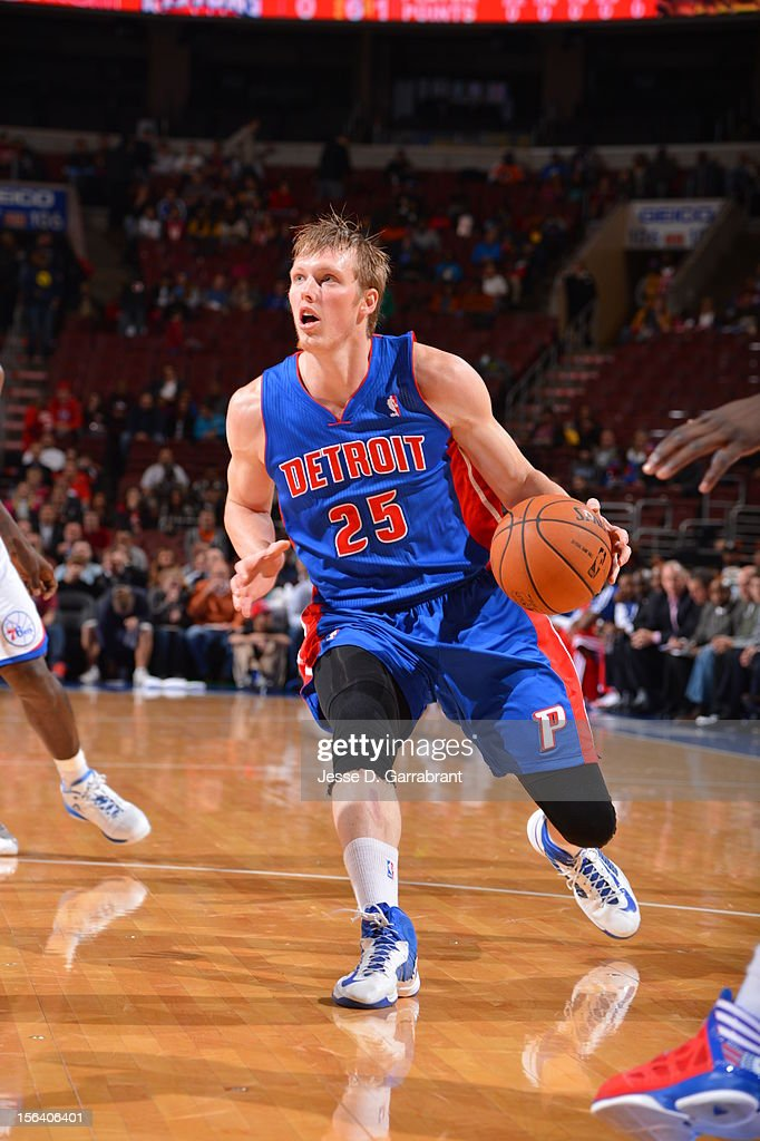 <a gi-track='captionPersonalityLinkClicked' href=/galleries/search?phrase=Kyle+Singler&family=editorial&specificpeople=4216029 ng-click='$event.stopPropagation()'>Kyle Singler</a> #25 of the Detroit Pistons during the game between Detroit Pistons and the Philadelphia 76ers at the Wells Fargo Center on November 14, 2012 in Philadelphia, Pennsylvania.