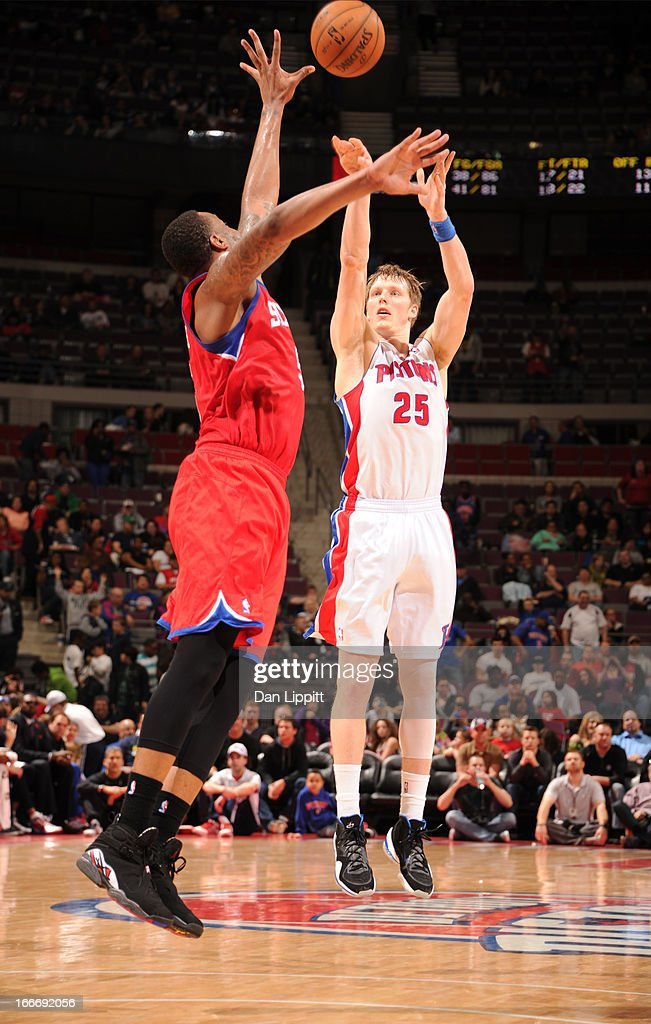 Kyle Singler #25 of the Detroit Pistons goes for a jump shot during the game between the Detroit Pistons and the Philadelphia 76ers on April 15, 2013 at The Palace of Auburn Hills in Auburn Hills, Michigan.