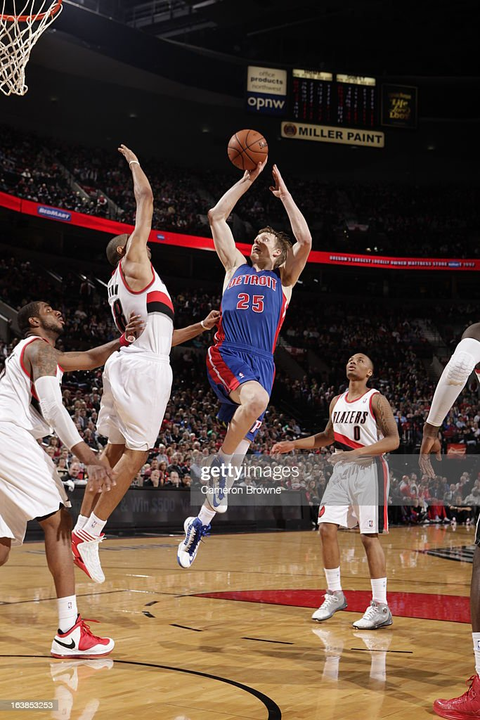 Kyle Singler #25 of the Detroit Pistons goes to the basket during the game between the Detroit Pistons and the Portland Trail Blazers on March 16, 2013 at the Rose Garden Arena in Portland, Oregon.