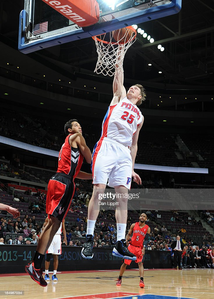 <a gi-track='captionPersonalityLinkClicked' href=/galleries/search?phrase=Kyle+Singler&family=editorial&specificpeople=4216029 ng-click='$event.stopPropagation()'>Kyle Singler</a> #25 of the Detroit Pistons goes to the basket during the game between the Detroit Pistons and the Toronto Raptors on March 29, 2013 at The Palace of Auburn Hills in Auburn Hills, Michigan.