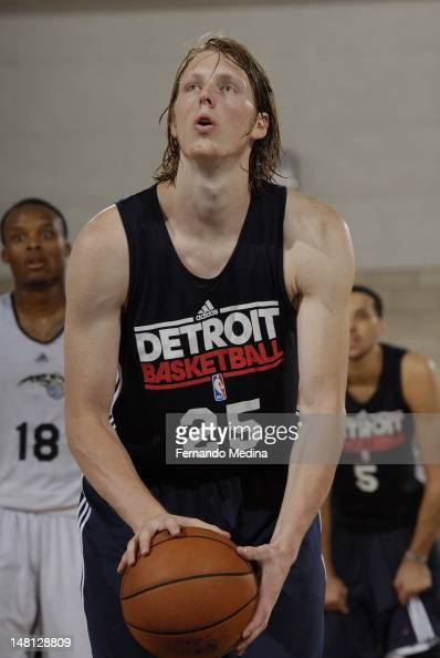 Kyle Singler of the Detroit Pistons shoots a foul shot against the Orlando Magic during the 2012 Air Tran Airways Orlando Pro Summer League on July...