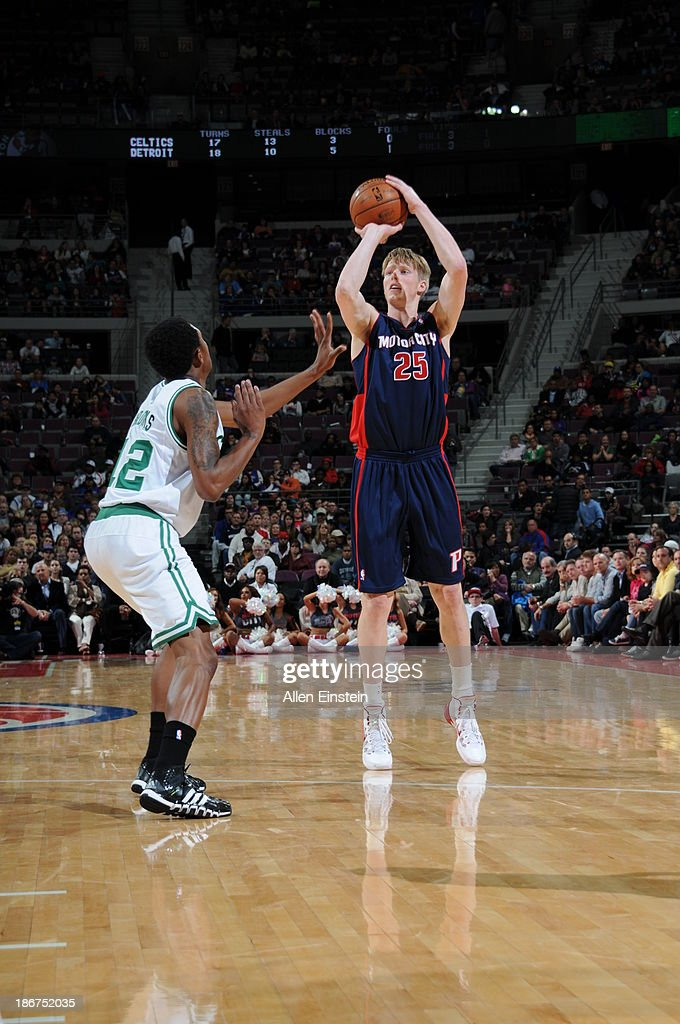 <a gi-track='captionPersonalityLinkClicked' href=/galleries/search?phrase=Kyle+Singler&family=editorial&specificpeople=4216029 ng-click='$event.stopPropagation()'>Kyle Singler</a> #25 of the Detroit Pistons shoots against <a gi-track='captionPersonalityLinkClicked' href=/galleries/search?phrase=MarShon+Brooks&family=editorial&specificpeople=4884862 ng-click='$event.stopPropagation()'>MarShon Brooks</a> #12 of the Boston Celtics on November 3, 2013 at The Palace of Auburn Hills in Auburn Hills, Michigan.