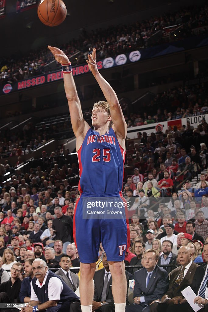 <a gi-track='captionPersonalityLinkClicked' href=/galleries/search?phrase=Kyle+Singler&family=editorial&specificpeople=4216029 ng-click='$event.stopPropagation()'>Kyle Singler</a> #25 of the Detroit Pistons shoots the ball against the Portland Trail Blazers on November 11, 2013 at the Moda Center Arena in Portland, Oregon.