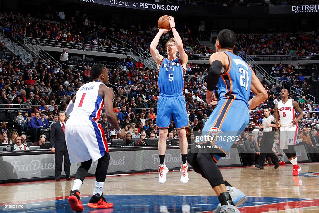 Kyle Singler of the Oklahoma City Thunder shoots against the Detroit Pistons during the game on March 29 2016 at The Palace of Auburn Hills in Auburn...