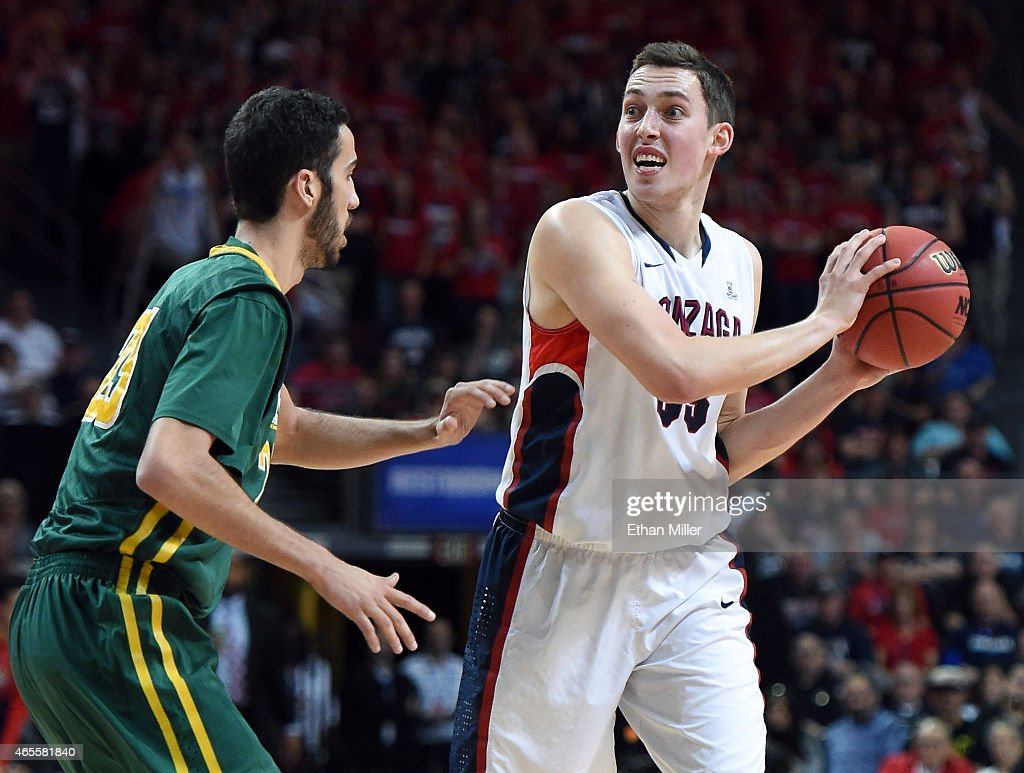 <a gi-track='captionPersonalityLinkClicked' href=/galleries/search?phrase=Kyle+Wiltjer&family=editorial&specificpeople=7621176 ng-click='$event.stopPropagation()'>Kyle Wiltjer</a> #33 of the Gonzaga Bulldogs is guarded by Mark Tollefsen #23 of the San Francisco Dons during a quarterfinal game of the West Coast Conference Basketball tournament at the Orleans Arena on March 7, 2015 in Las Vegas, Nevada. Gonzaga won 81-72.