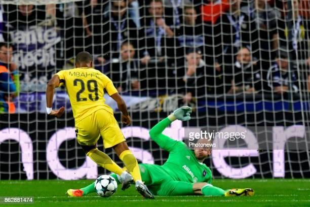 Kylian Mbappe forward of PSG Matz Sels goalkeeper of RSC Anderlecht during the Champions League Group B match between RSC Anderlecht and Paris...