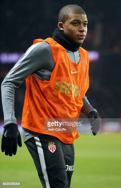 Kylian Mbappe Lottin of Monaco warms up during the French Ligue 1 match between Paris Saint Germain and AS Monaco at Parc des Princes stadium on...