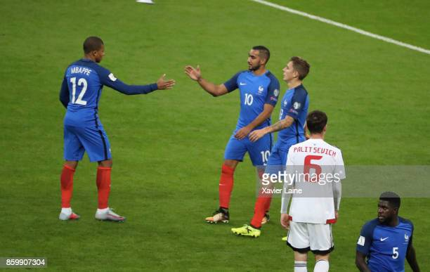 Kylian Mbappe of France celebrate the qualification with Dimitri Payet and Lucas Digne after the FIFA 2018 World Cup Qualifier between France and...