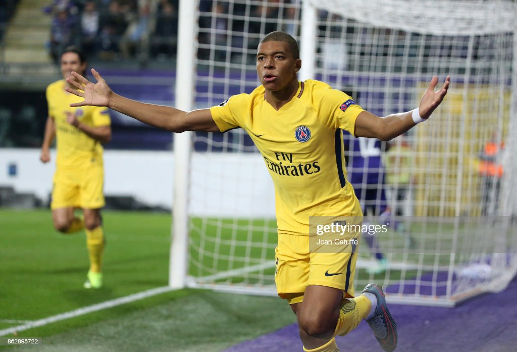 RSC Anderlecht v Paris Saint-Germain - UEFA Champions League