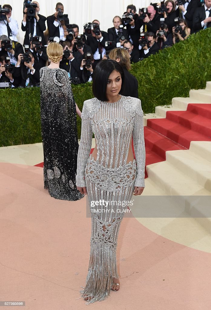 Kylie Jenner arrives for the Costume Institute Benefit at The Metropolitan Museum of Art May 2, 2016 in New York. / AFP / TIMOTHY