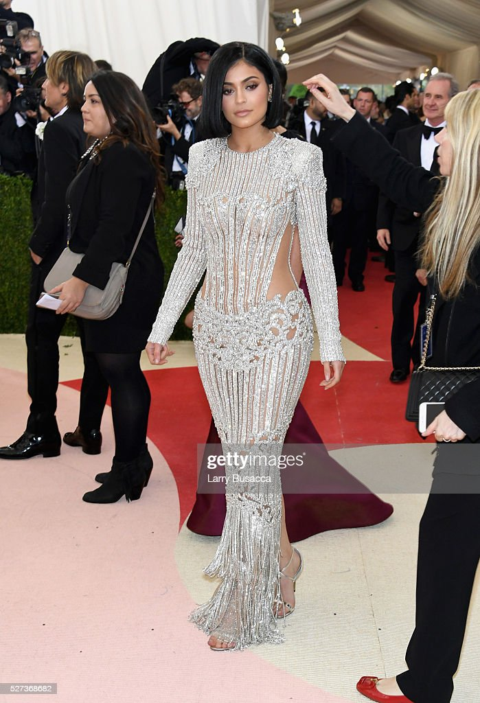 <a gi-track='captionPersonalityLinkClicked' href=/galleries/search?phrase=Kylie+Jenner&family=editorial&specificpeople=870409 ng-click='$event.stopPropagation()'>Kylie Jenner</a> attends the 'Manus x Machina: Fashion In An Age Of Technology' Costume Institute Gala at Metropolitan Museum of Art on May 2, 2016 in New York City.