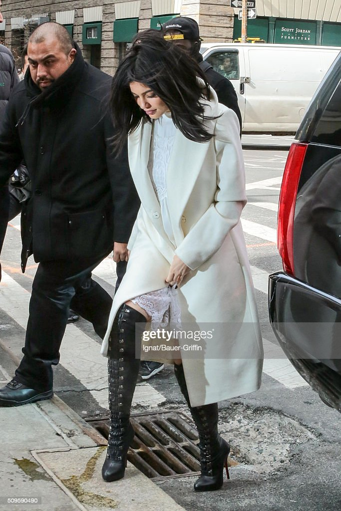 <a gi-track='captionPersonalityLinkClicked' href=/galleries/search?phrase=Kylie+Jenner&family=editorial&specificpeople=870409 ng-click='$event.stopPropagation()'>Kylie Jenner</a> is seen on February 11, 2016 in New York City.