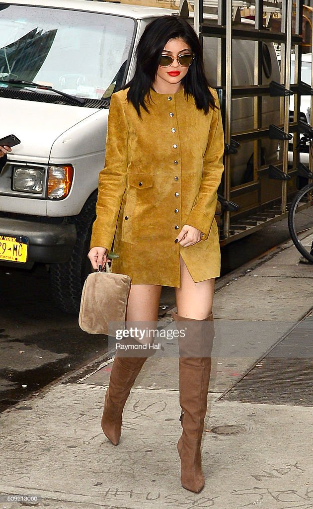 <a gi-track='captionPersonalityLinkClicked' href=/galleries/search?phrase=Kylie+Jenner&family=editorial&specificpeople=870409 ng-click='$event.stopPropagation()'>Kylie Jenner</a> is seen walking in Midtown February 9, 2016 in New York City.