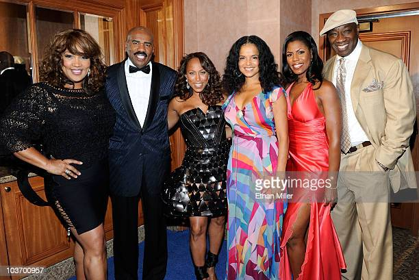 Kym Whitley Steve Harvey Marjorie Harvey Victoria Rowell Omarosa ManigaultStallworth and Michael Clarke Duncan arrive at the eighth annual Ford...